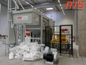 bag-emptying-with-pallet-transport-and-stacking 04